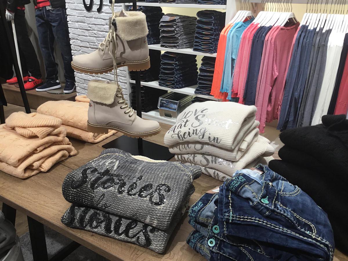 casual wear für Frauen von Soccx