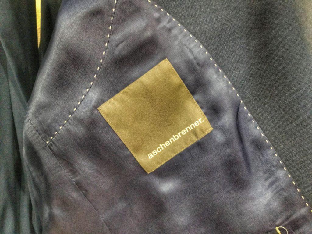 Neben schon bekannten Label findet sich auch das Eigenlabel - Aschenbrenner.