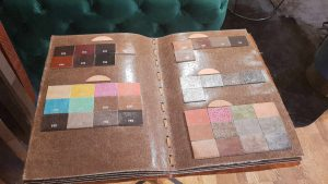 Leder-Musterbuch für Sonderanfertigungen